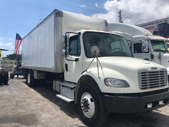 Used 2013 FREIGHTLINER M2 106 BOX TRUCK