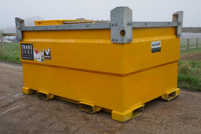 Used 2014 WESTERN 3000 LITRES