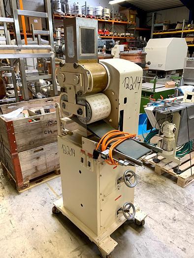 Gebraucht gebr. Marzipanformer KETTER ca. 180 mm Arbeitsbreite mit Saugband.