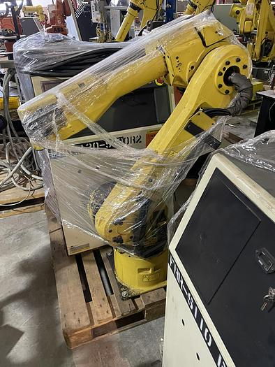 Used FANUC ARCMATE 120iB 6 AXIS ROBOT WITH RJ3iB CONTROLLER