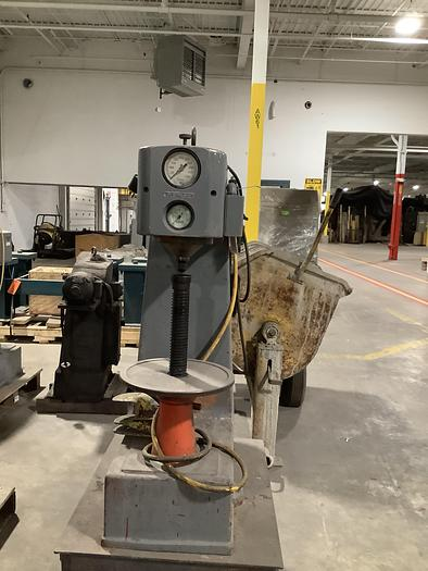 Used DETROIT DH2 HARDNESS TESTER