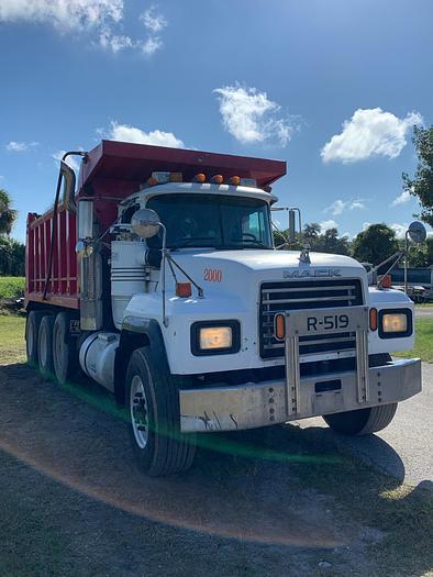 Used 2000 Mack RD 688S Tri Axle Dump Truck