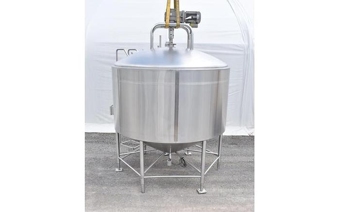 USED 2600 GALLON TANK, STAINLESS STEEL, INSULATED WITH SWEEP AGITATION