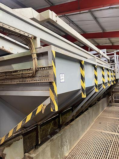 Used 5 Ton storing hopper with infeed conveyor and exit conveyor 1.6m H 3.2m W
