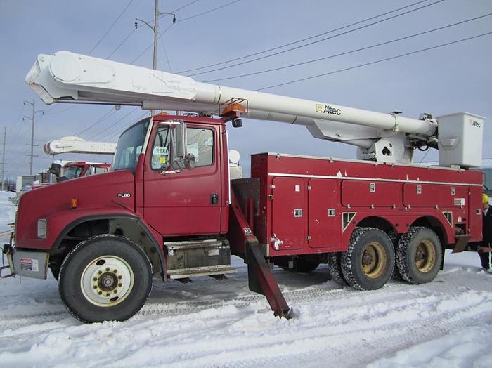 Used 2000 Freightliner MCV Line Truck