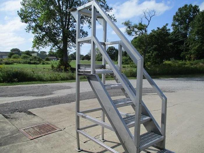 """Used Work Platform; 24""""Wx24""""L with Stairs"""
