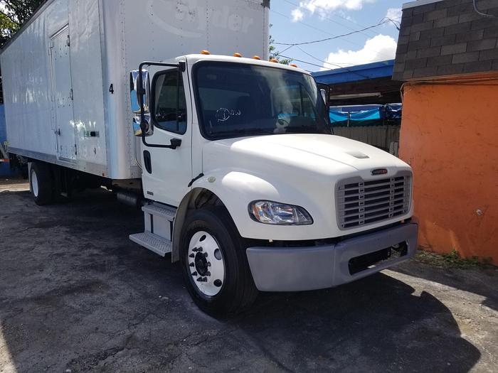 Used 2011 FREIGHTLINER BUSINESS CLASS M2 106 BOX TRUCK