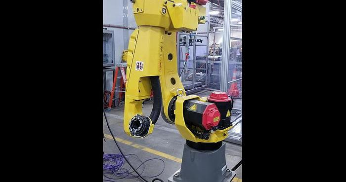 Used FANUC M10iA/12 6 AXIS CNC ROBOT WITH R30iB PLUS CONTROLLER DEMO HOURS ONLY