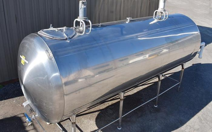 USED 1500 GALLON JACKETED TANK, STAINLESS STEEL, SANITARY, INSULATED, HORIZONTAL