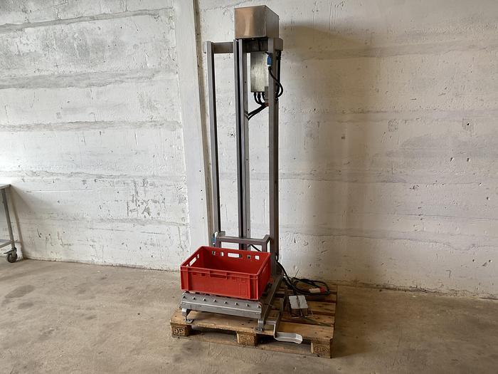 Använd Backlyft 165cm med fotpedal #1177