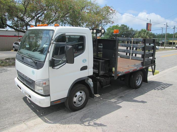 Used 2010 Mitsubishi Fuso Flat-Bed