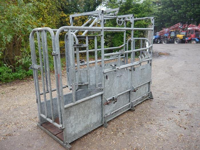 Used Loddon Cattle Crush