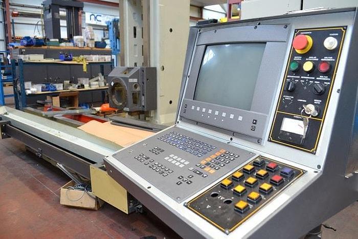 Refurbished Refurbished 1998 Anayak VH-2200 Bed Type Milling Machine
