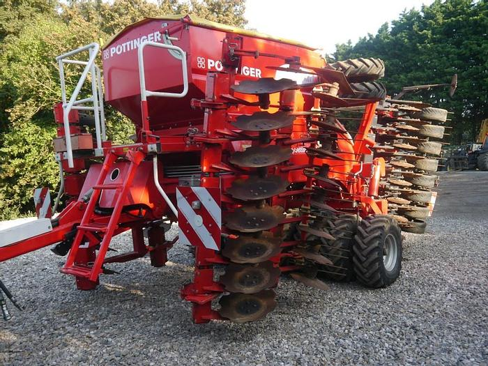 Used Pottinger Terrasem 4000T Seed Drill