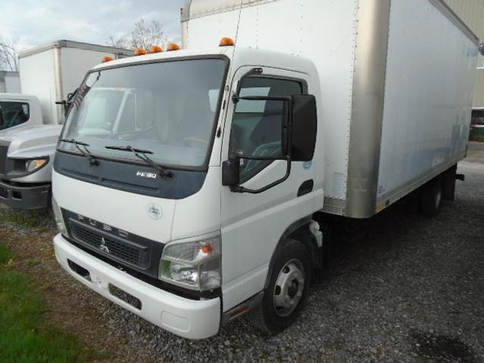Used 2008 Mitsubishi Fuso FE180 dry van box truck