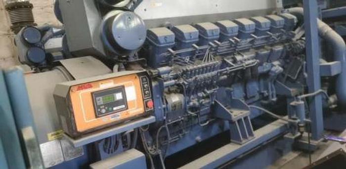 1.76 MW 2004 Used Mitsubishi S16R-PTAA2-S Diesel Generator