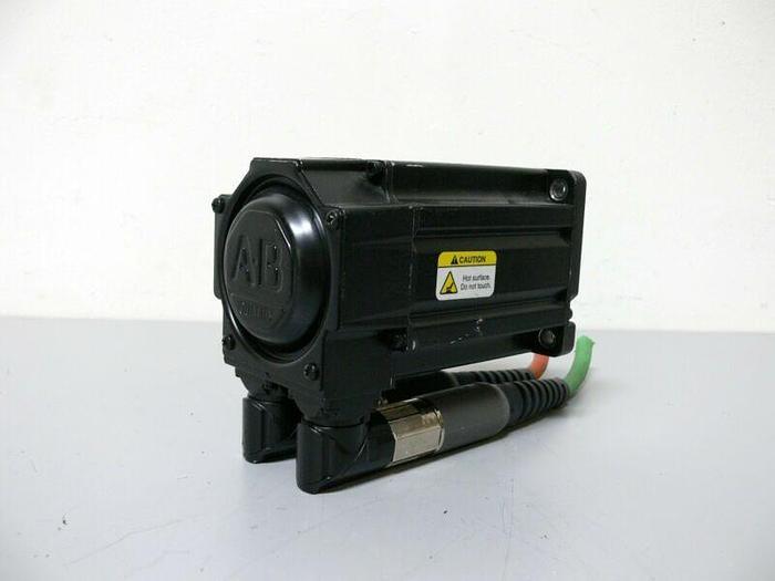 Used Allen Bradley MPL-B320P-MK72AA Kinetix Brushless AC Servo Motor 460V 5000 Rpm