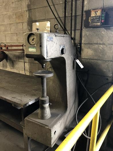 DETROIT BRINNEL TESTING MACHINE