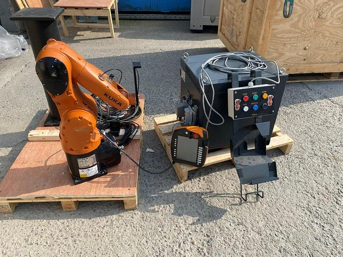 Used 2015 Kuka KR C4 + KR 6 R700 Sixx Robot