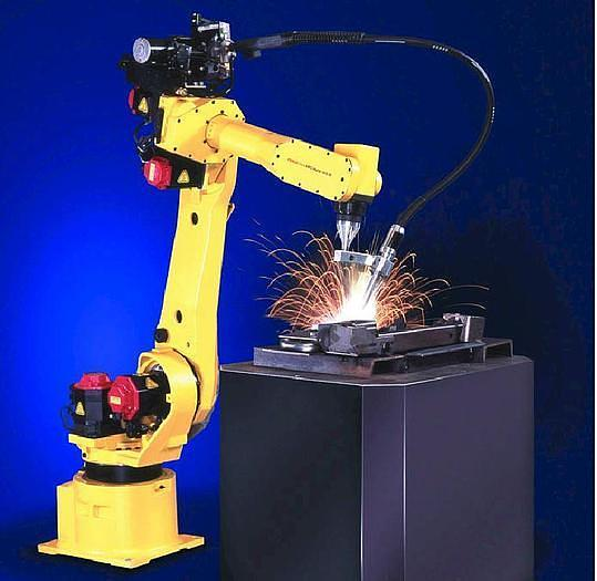 Used FANUC ARCMATE 120iB/10L 6 AXIS ROBOT with R-J3iB control
