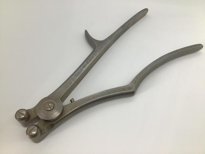 Used Aesculap Forceps Rod Bending 230mm