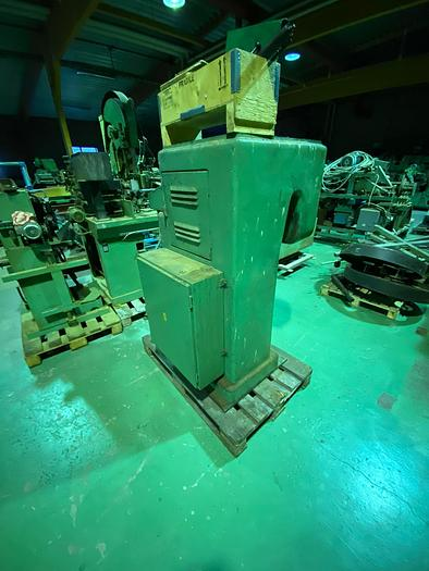 Used Vollmer Hydraulic compression and leveling machine