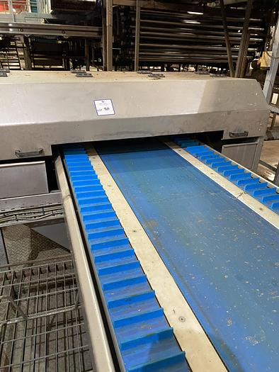 Used Carrot/parsnip Trimming Line 5m L 1.8m W - lift out charge £200