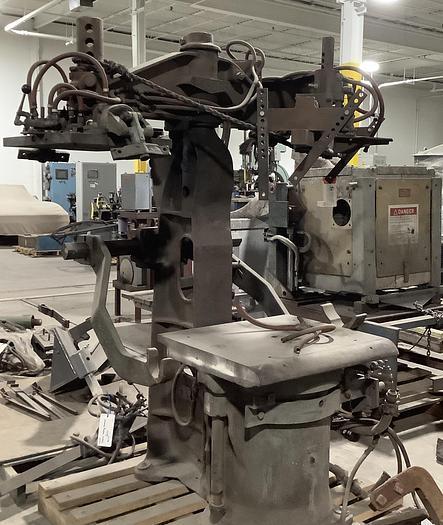 Used OSBORN 3161-12 ROTOLIFT MOLDING MACHINE