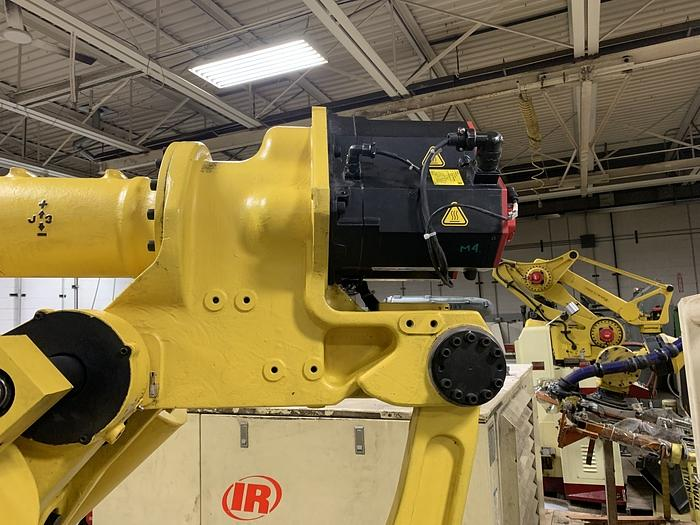 2011 FANUC M900iA/600 6 AXIS CNC ROBOT WITH R30iA CONTROLLER