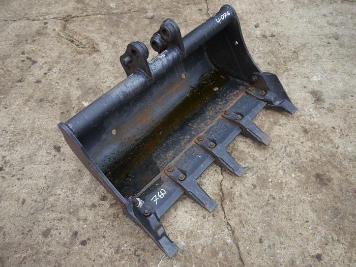 Digger Bucket 750mm
