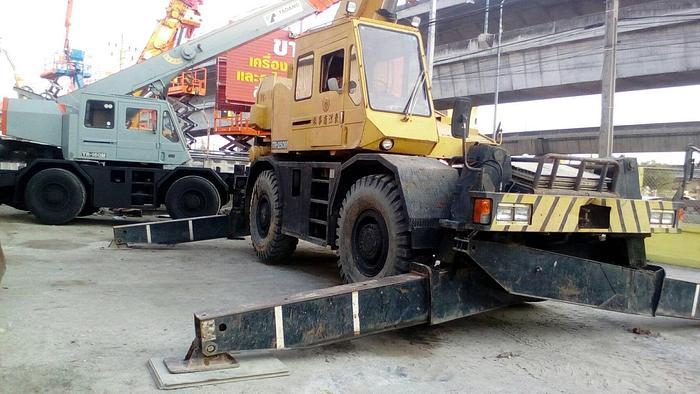 TADANO TR250M-4