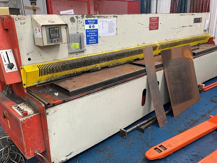 Used Edwards Pearson  4m x 4mm Guillotine Shears