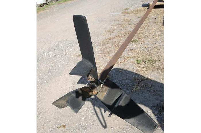 USED MIXER, 16' LONG CARBON STEEL SHAFT AND PROPELLER