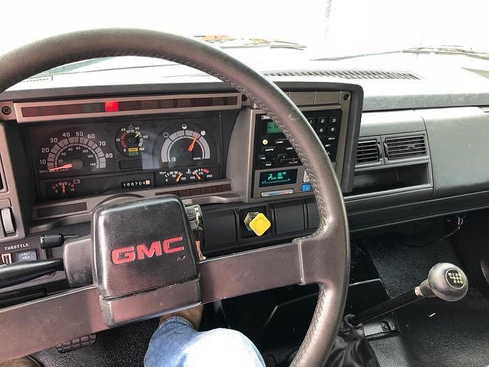 2002 GMC TOPKICK C7500 STAKE TRUCK