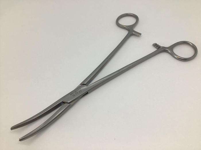 Used Forceps Artery Spencer Wells Curved 178mm