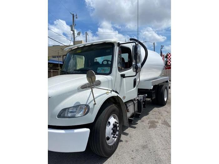 *0000*2011 FREIGHTLINER M2 SEPTIC TRUCK UNDER CDL