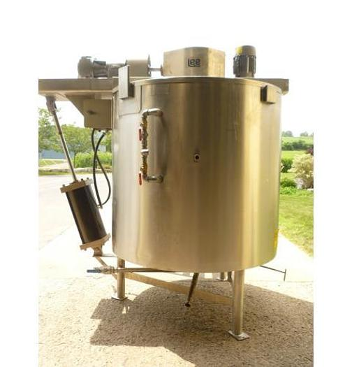 USED 500 GALLON JACKETED TANK (KETTLE), 316 STAINLESS STEEL, WITH SCRAPE AGITATION & AGIMIXER