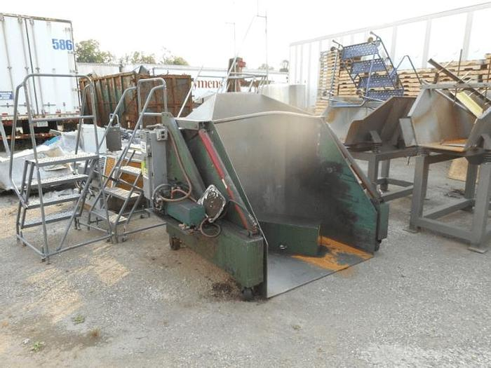 Used PORTABLE DUMPER ON CASTERS