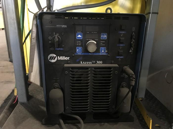 2012 MOTOMAN MA1400 MIG WELDING CELL WITH A/B SIDED INDEX TABLE AND DX100 CONTROLLER