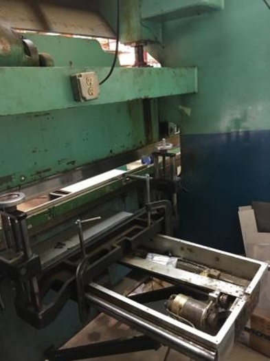 Chicago mechanical press brake 90 ton x 8'