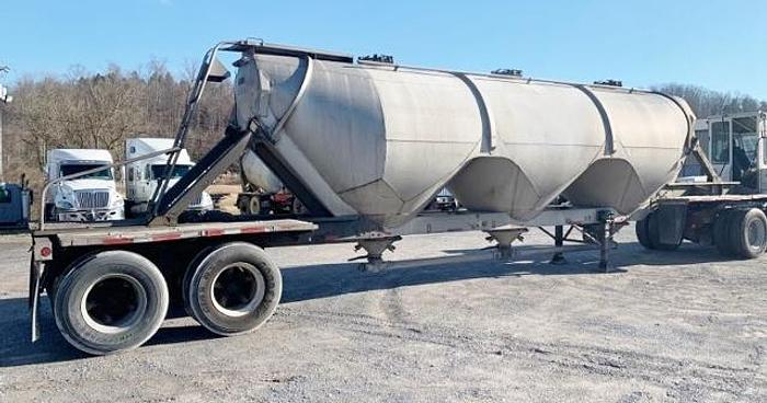 Used 1984 Heil Cement Tanker