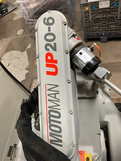 MOTOMAN UP20-6 MIG WELDING CELL WITH CNC WELD POSITIONER