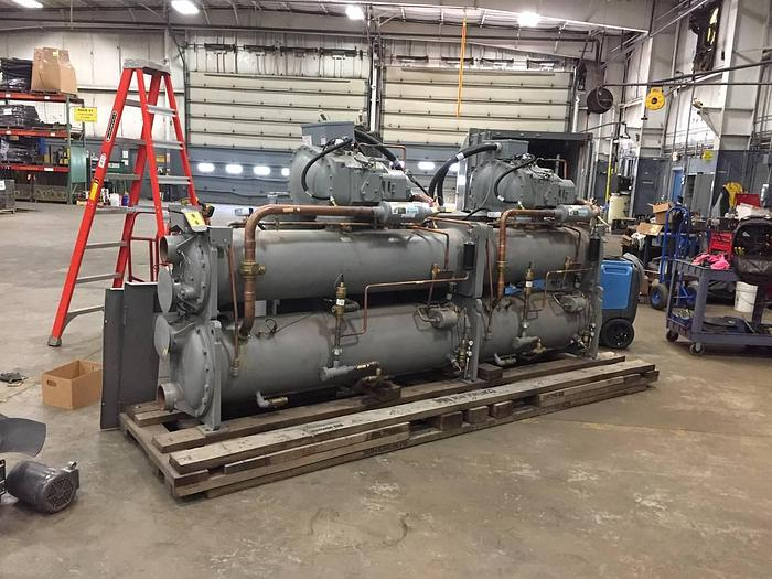 Carrier 116 Ton 30HXC116 Water Cooled Chiller