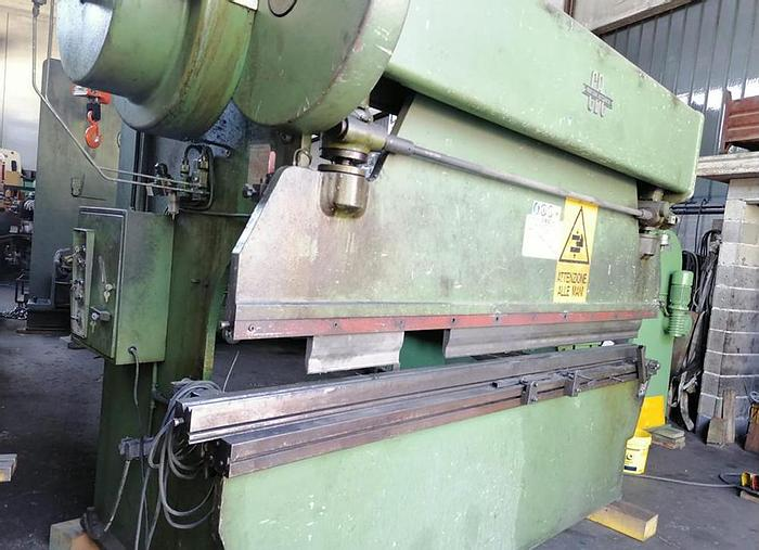 Usato PRESSA PIEGATRICE CBC 3000X60/30 ton