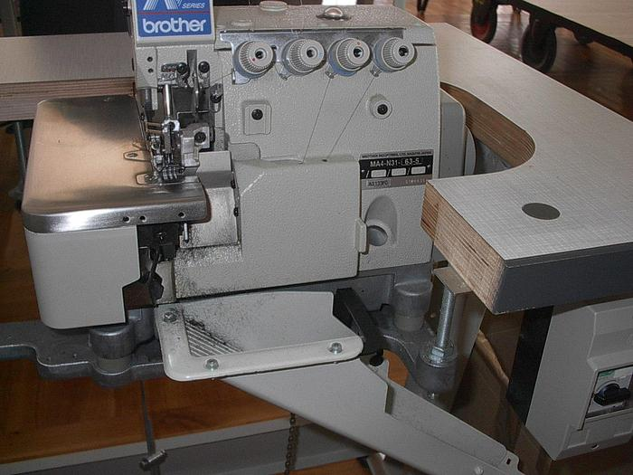 Gebraucht Overlockmaschine BROTHER  MA 4-B581-0655 2 N/4F
