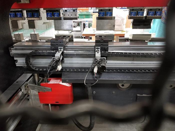 2007 143 Ton Amada HFE 130-3S CNC Press Brake