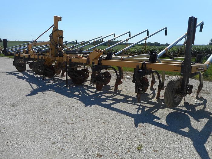 Used 2012 BAZOOKA FARMSTAR R143035NTHD