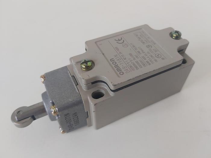 Positionsschalter mit Rollenstößel, D4B-1181N, Omron,  neuwertig