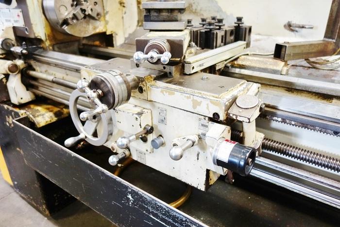 "Leblond Regal Makino 15"" x 54"" Engine Lathe Accurite Digital Read Outs 15 x 54 Engine Lathe Servo Shift"