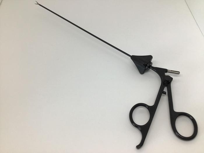 Forceps Endoscopy Fixation Dissecting Maryland 2.5mm diam Length 220mm Monopolar